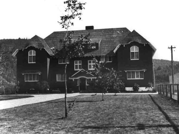 The Dougal and Birks Cottage in 1928.